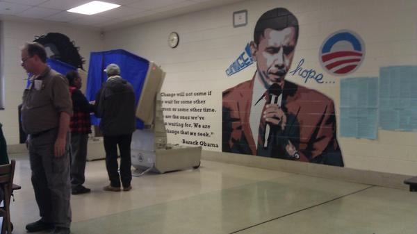 Obama Mural In Polling Place (Credit: The Weekly Standard)