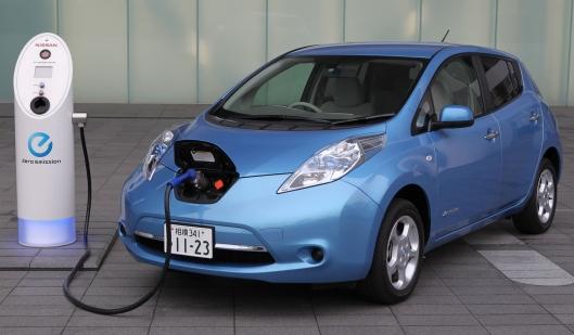 Nissan Leaf credit: extremetech,com