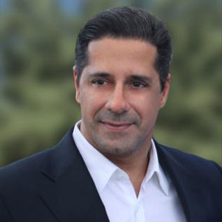 Alberto Carvhalo