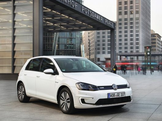 2015 VW e-Golf credit: outubytel.com