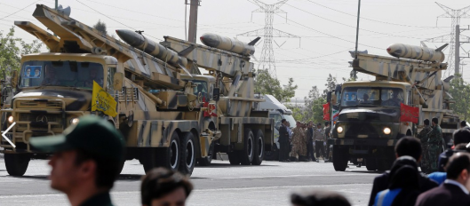 Iranian missiles on parade credit: cnn.com