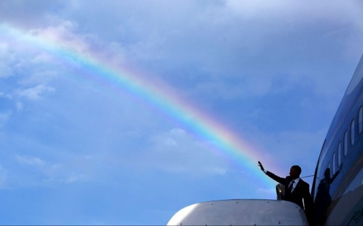 april-9-2015-the-presidents-wave-aligns-with-a-rainbow-as-he-boards-air-force-one-at-norman-manley-international-airport-prior-to-departure-from-kingston-jamaica-1024x637