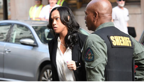 A very unhappy Marilyn Mosby leaving the courthouse...